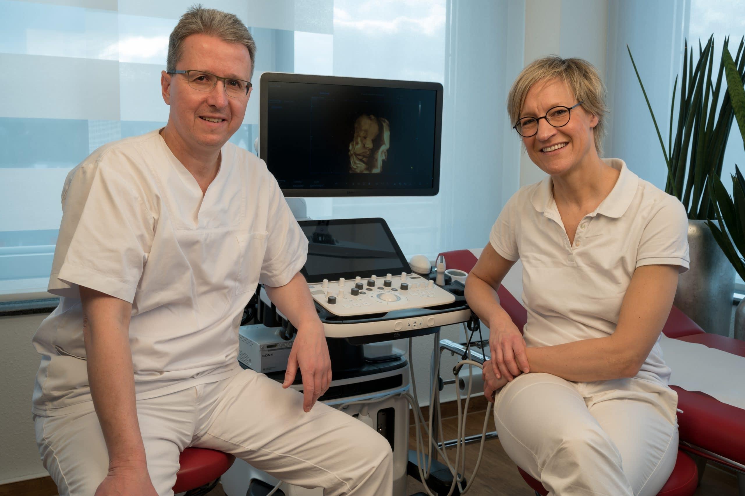 Pränatale Ulraschall Diagnostik Peter Kollertz und Ute Kelkenberg in der Frauenarztpraxis Dr. Englisch.
